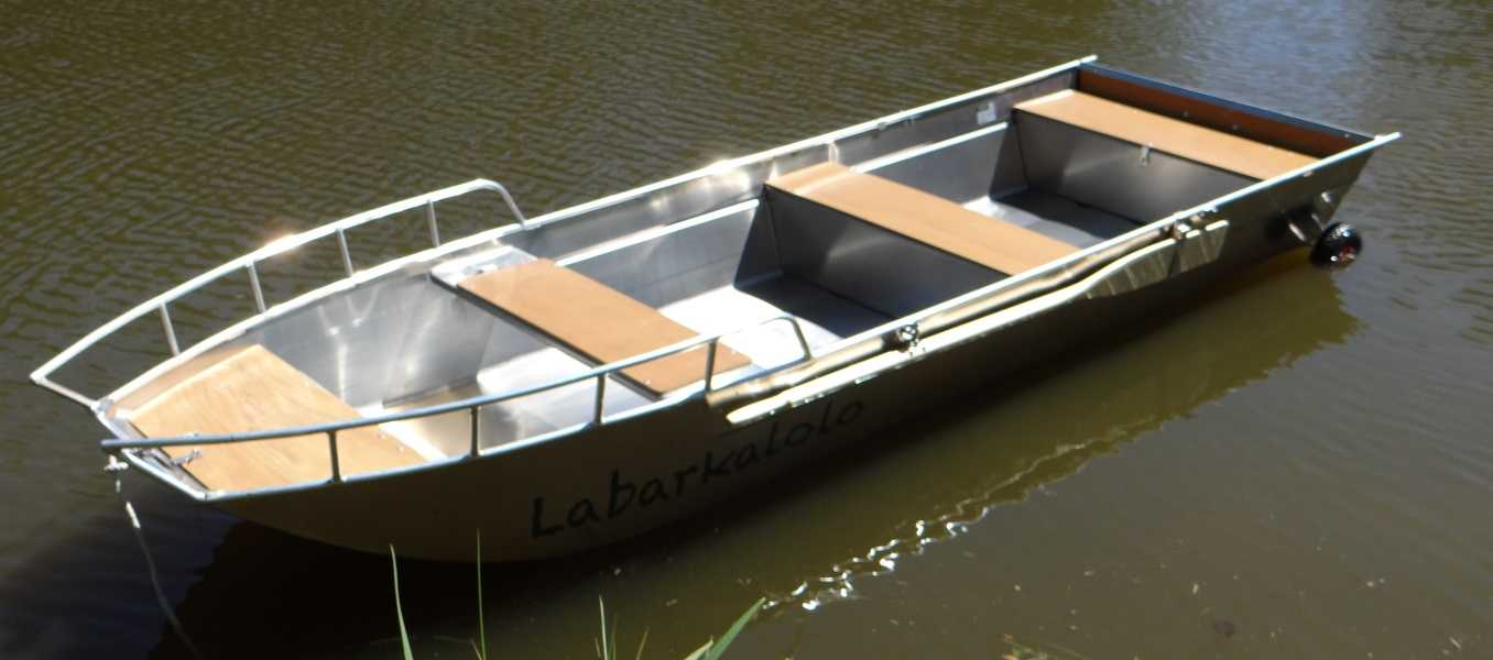 Barco-em-alumínio-leve