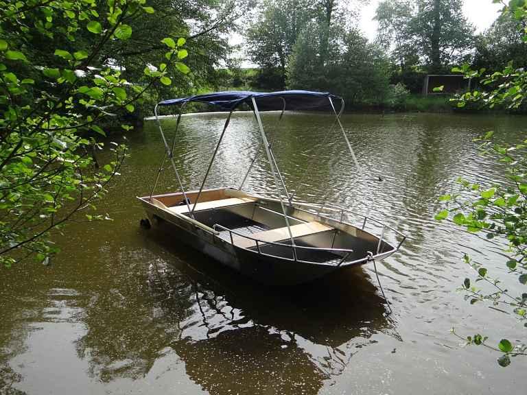 Barco de pesca em alumínio